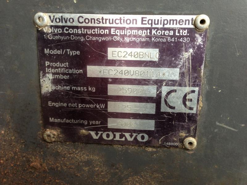 Koparka łańcuchowa - Volvo EC 240 BNLC