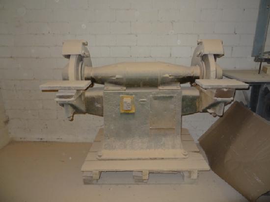 unb. Doppelwellenschleifmaschine August Joos Maschinenfabrik Frauenfeld