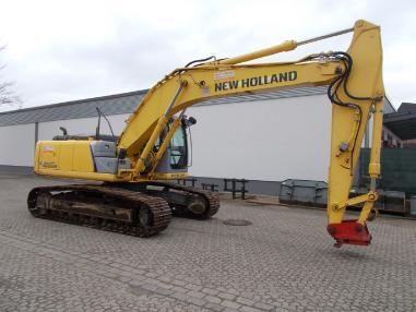 Pelle sur chenilles - New Holland E215BLC