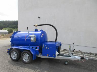 vozilo za ispiranje i usisavanje - Ostalo M-Vac 2000