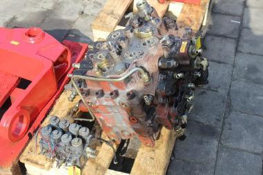 Steuerblock / Ventil - JCB 210 LC