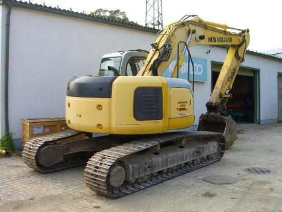 New Holland Kobelco E235SR