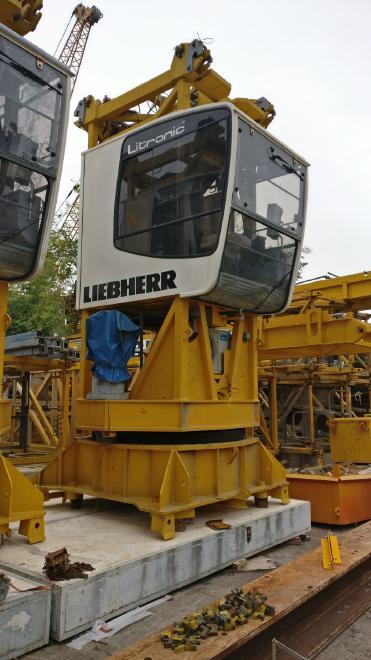 Liebherr 200 EC-H
