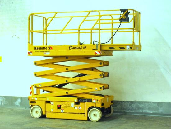 Haulotte Arbeitsbühne HAULOTTE Compact 10 - 10.3m