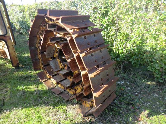 Caterpillar D8R        N. 2 CATENE NUDE LUBRIFICATE. NUOVE. 43