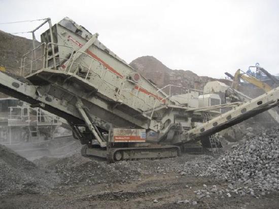 Metso-Minerals 620 - 3 deck