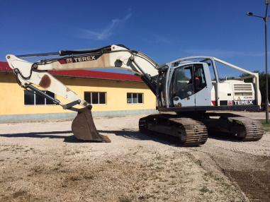 Tracked excavator - Terex TC240LC
