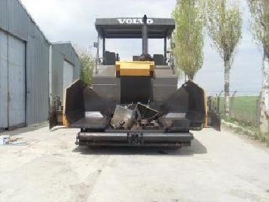 Łańcuchowa układarka asfaltu - ABG 6820B