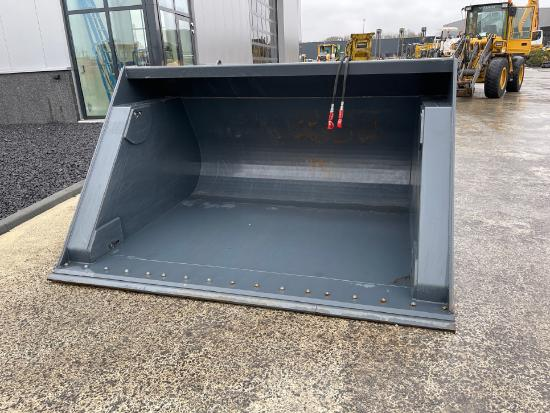 High tip bucket 278cm 3800ltr Volvo connection