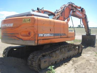 Tracked excavator - Doosan DX225NLC