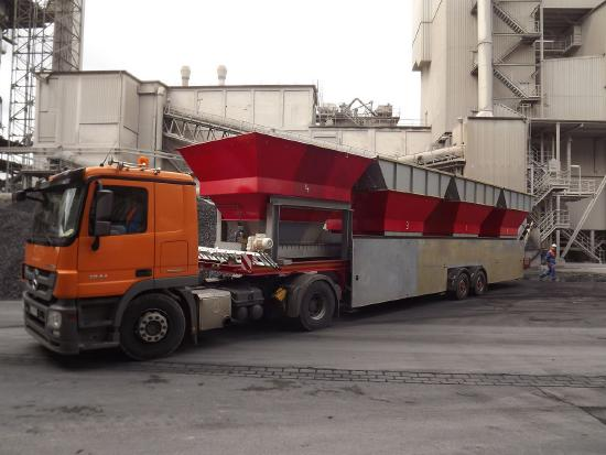 Reihendoseure-RD 700/4  Sattel-Mobil -Row doser for mineral mix