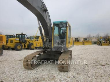 Excavator cu lanţ - Volvo EC210