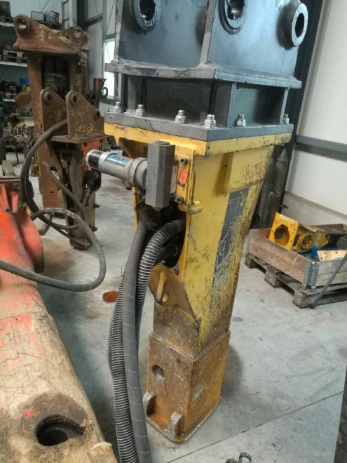 Atlas Copco MB 700