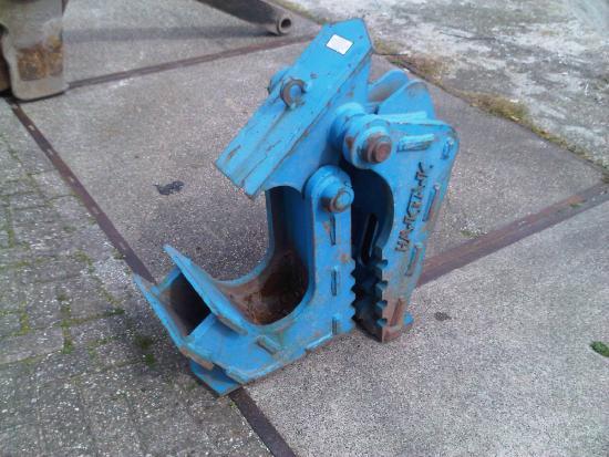 900.kg mechanical concrete crusher