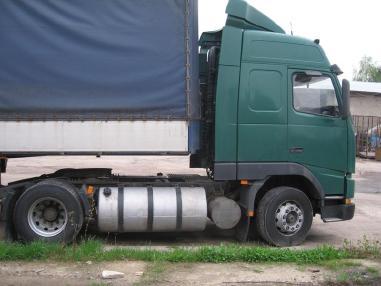 Standardowy ciągnik siodłowy - Volvo FH 12