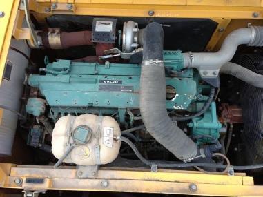 Tracked excavator - Volvo EC 240 BNLC