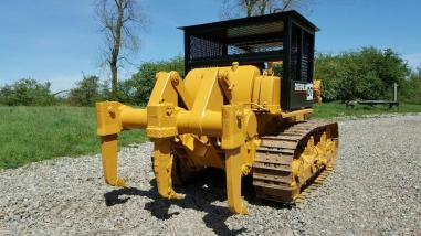 Wheel dozer - Caterpillar D7F
