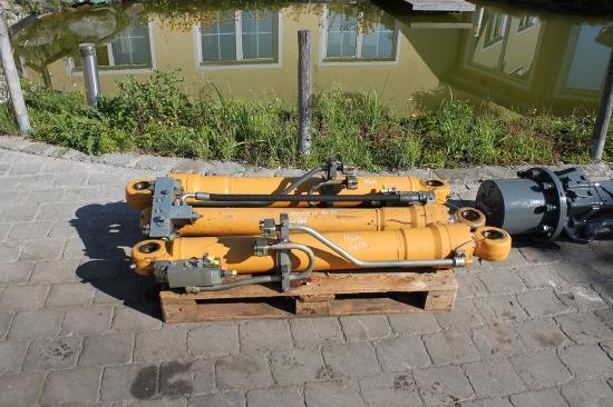 Liebherr A 900 C LIT