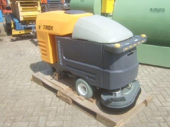 Trek TB4 Torsion Floor Cleaner Scrubber NEW UNUSED