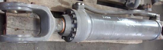 Volvo L110E/F L120E/F Hubzylinder  11107855