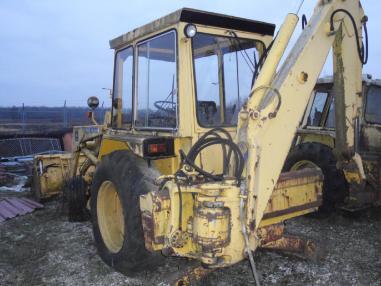Încărcător cu echipament de excavator - John Deere 410D