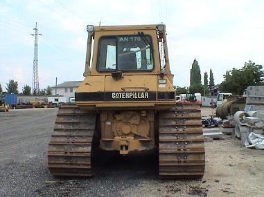 buldožer - Caterpillar D5H