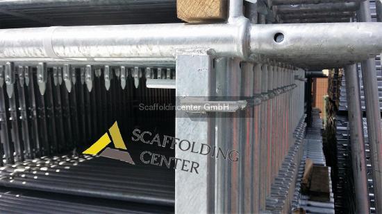 Neu Gerüst Scaffolding skele állványzat