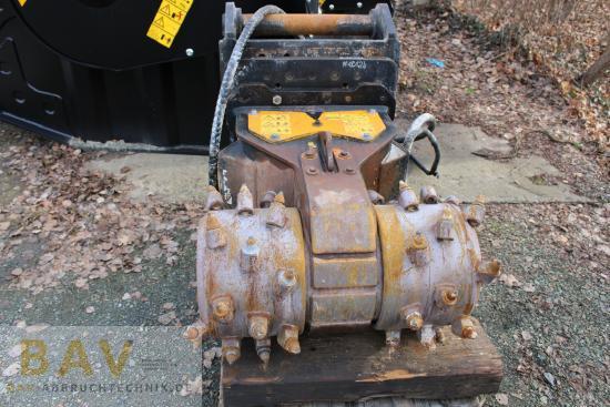 MB Crusher R700